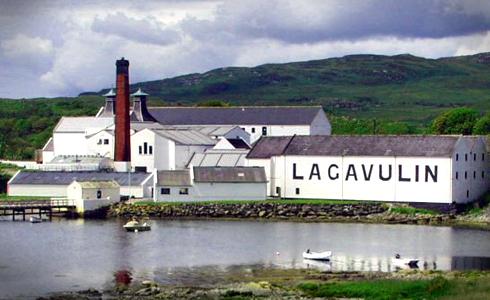 Lagavulin Distillery in Port Ellen (Scotland)