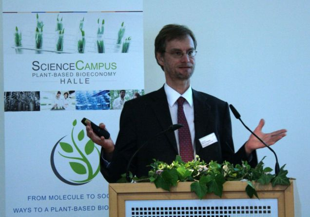 Prof. Dr. Markus Pietzsch at his talk Copyright Bioeconomy Cluster